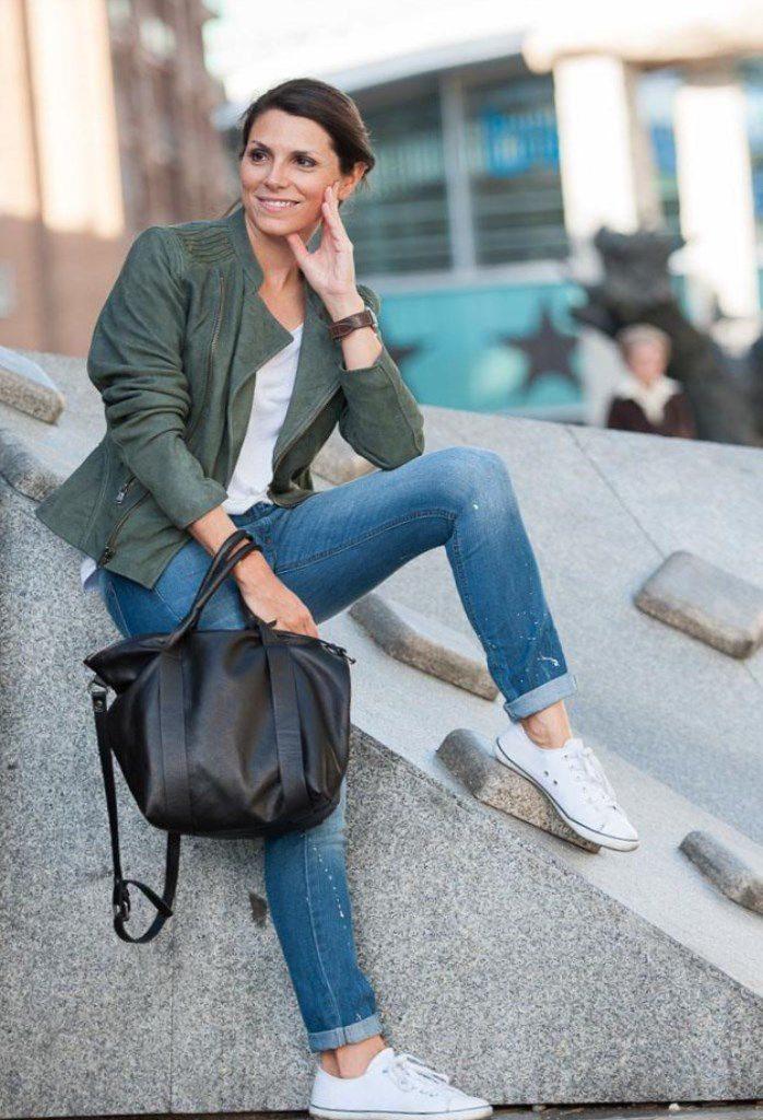 Як і з чим носити укорочені джинси. Укорочені джинси - тренд нашого ... da4c374e5cc97